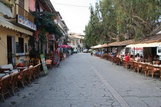 Hlavní ulice kolem přístavu