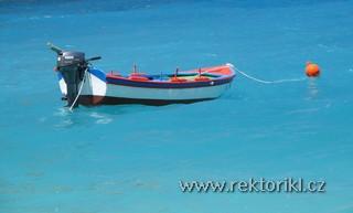 Zátiší s loďkou