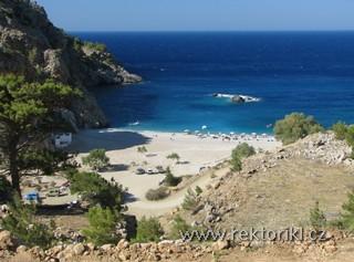 Pohled na pláž od kapličky