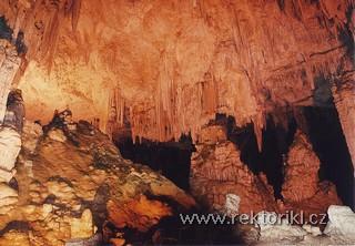 V jeskyni Grotta di Nettuno